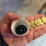 越後湯沢駅 お酒とお米のテーマパーク「ぽんしゅ館」に行ってきた コイン5枚とお猪口 2014-02-26 19.05.13