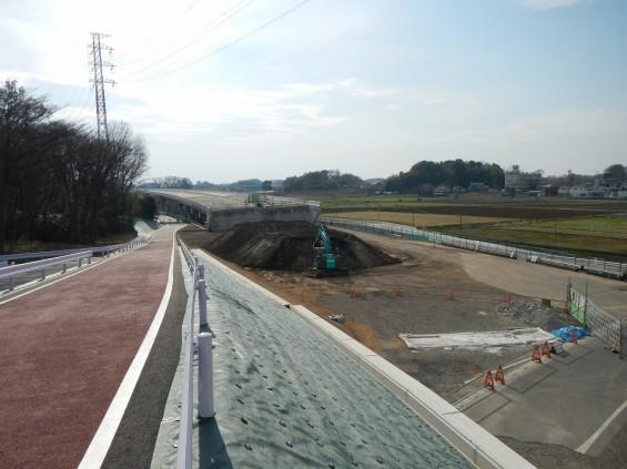 20140418 圏央道進捗状況 桶川市上日出谷 圏央道を跨ぐ陸橋周辺DSCN3957