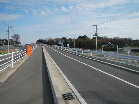 20140418 圏央道進捗状況 桶川市上日出谷 圏央道を跨ぐ陸橋周辺DSCN3943