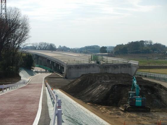 20140418 圏央道進捗状況 桶川市上日出谷 圏央道を跨ぐ陸橋周辺DSCN3958
