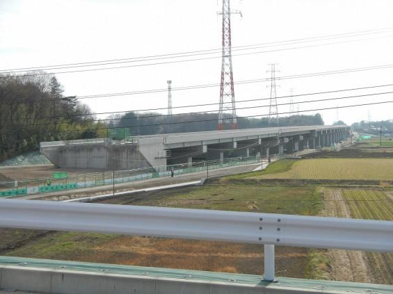 20140418 圏央道進捗状況 桶川市上日出谷 圏央道を跨ぐ陸橋周辺DSCN3949