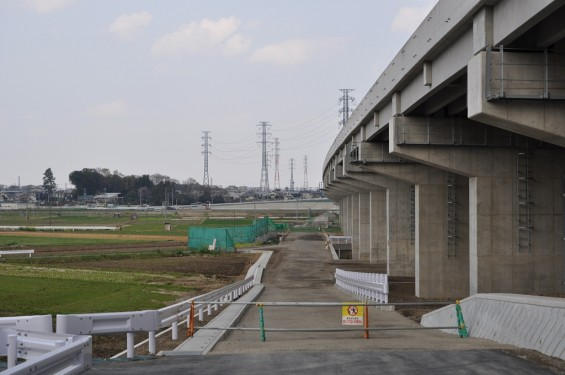 20140418 圏央道進捗状況 桶川市上日出谷 圏央道を跨ぐ陸橋周辺DSC_0089