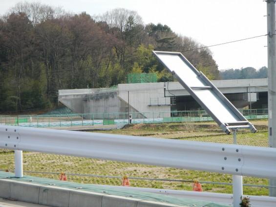 20140418 圏央道進捗状況 桶川市上日出谷 圏央道を跨ぐ陸橋周辺DSCN3945