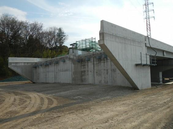 20140418 圏央道進捗状況 桶川市上日出谷 圏央道を跨ぐ陸橋周辺DSCN3978