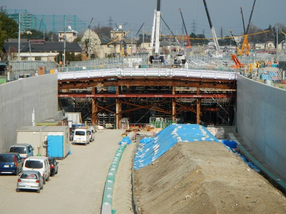 20140418 圏央道進捗状況 桶川市上日出谷 圏央道を跨ぐ陸橋周辺DSCN3955