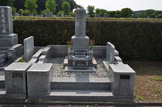 お墓に雑草は生えていませんか?防草シートと、新しい玉砂利で気持ち良いお墓参りをDSC_0022