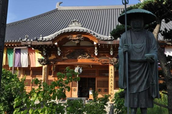 埼玉県上尾市 遍照院DSC_0075本堂と弘法大師