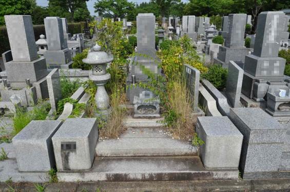 お墓に雑草は生えていませんか?防草シートと、新しい玉砂利で気持ち良いお墓参りをDSC_0043
