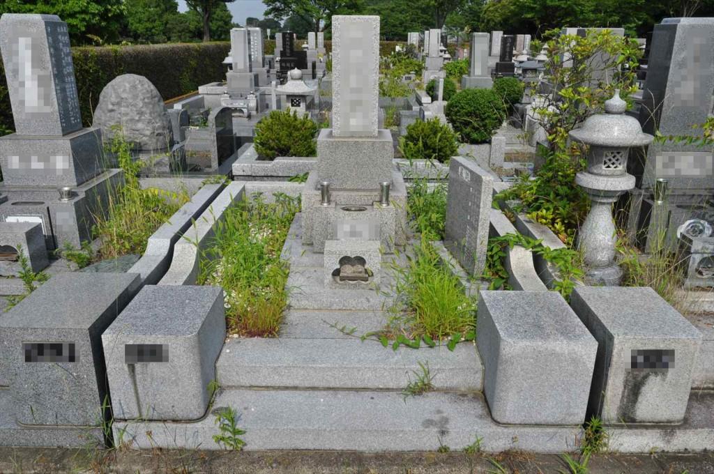 お墓に雑草は生えていませんか?防草シートと、新しい玉砂利で気持ち良いお墓参りをDSC_0045