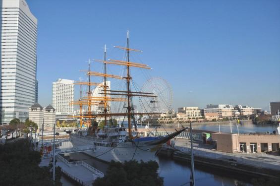 横浜支社は横浜ランドマークタワーにあります 日本丸 DSC_0071