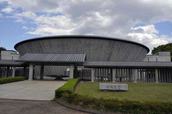 2015年5月 東京都立多磨霊園の みたま堂DSC_0570