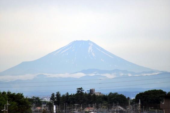 2015年6月9日 梅雨空の合間に見えた富士山 埼玉県上尾市から見えたDSC_1526+