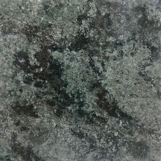 お墓に使う石材の種類 アフリカ産のオリーブグリーン DSC_0024-