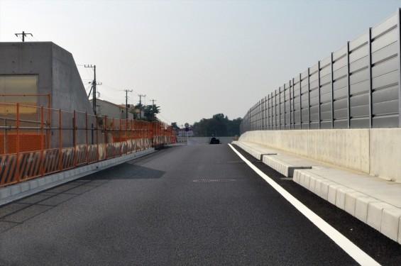 2015年10月 圏央道進捗状況 二ツ家アンダーパス開通(踏切だった場所)-DSC_4049