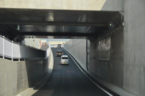 2015年10月 圏央道進捗状況 二ツ家アンダーパス開通(踏切だった場所)-DSC_4095