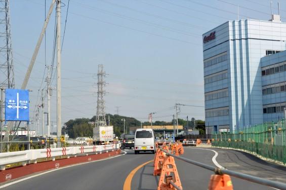 2015年10月 圏央道進捗状況 二ツ家アンダーパス開通(踏切だった場所)-DSC_4100