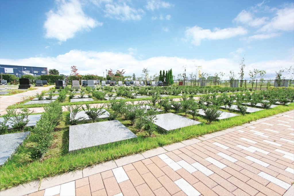 2015年11月 さいたま市見沼区の「大宮霊園」に新区画が登場2 ガーデン墓所1.20㎡(植栽付芝生墓所)