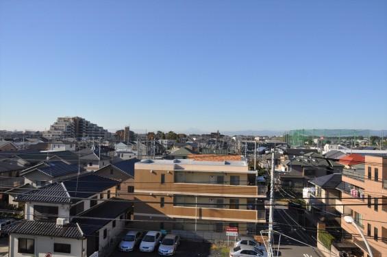 2015年11月4日 埼玉県上尾市から見える富士山 ギザギザ登山道 雪DSC_4101