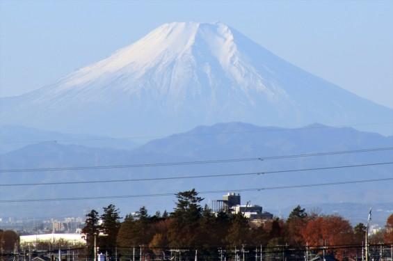 2015年12月22日 冬至の富士山 埼玉県上尾市から見える 朝8時30分撮影DSC_4649+-