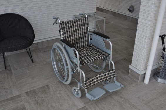 久喜清久霊園の車椅子 車いす 安心 段差ない 平坦 平たん 墓DSC_4120