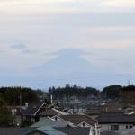一年を通して富士山の変化を見る(埼玉県上尾市から)8月 008