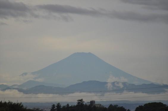 一年を通して富士山の変化を見る(埼玉県上尾市から)10月 010