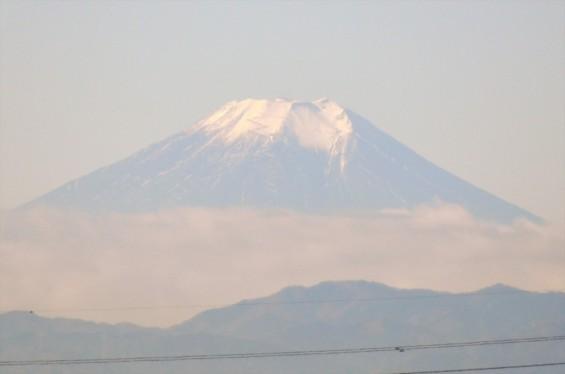 一年を通して富士山の変化を見る(埼玉県上尾市から)11月 011