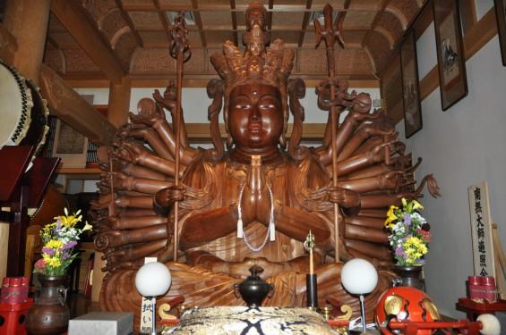 2017年4月14日 上尾市仏教会顧問会総会 今年の会場は遍照院でした 大佛師 仏師 松本明慶 作 十一面千手観音菩薩坐像 DSC_1527