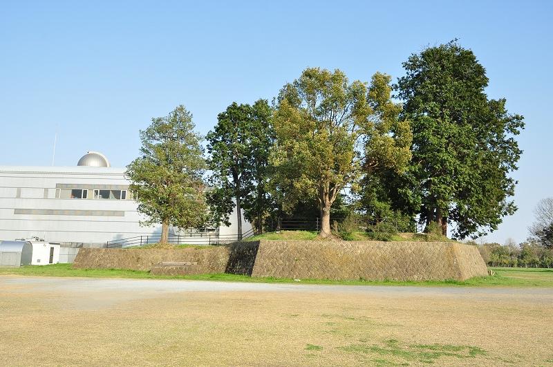 群馬県館林市 館林城と出土墓石群 – 霊園とお墓のはなし